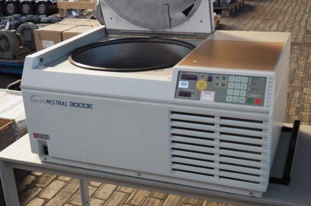 MSE Mistral 3000E Lab Centrifuge