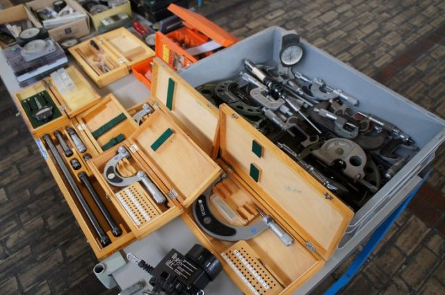 Diversity of used measuring tools a.o Mitutoyo