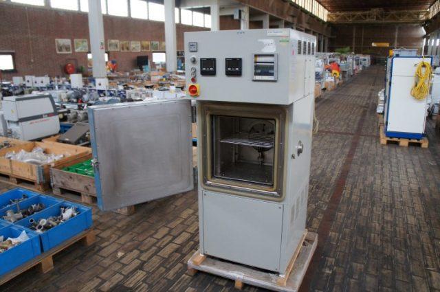 Heraeus Votsch Climatic Test Chamber