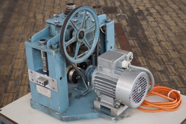 TMI Material Pressure Testing Machine